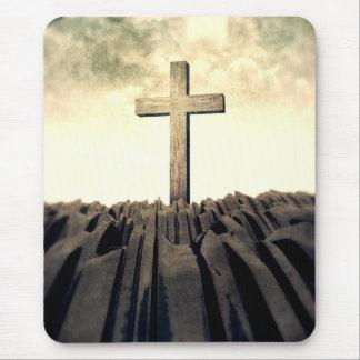 Tapis De Souris Croix chrétienne sur la montagne