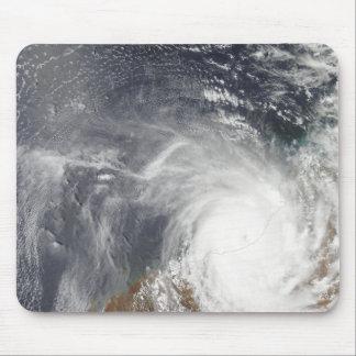 Tapis De Souris Cyclone tropical Laurence au-dessus d'Australi