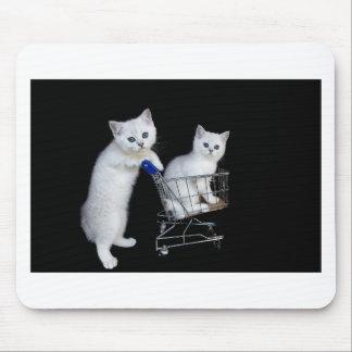 Tapis De Souris Deux chatons blancs avec le caddie sur black.JPG