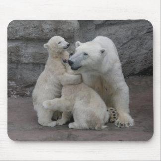 Tapis De Souris Deux petits animaux d'ours blanc avec la mère