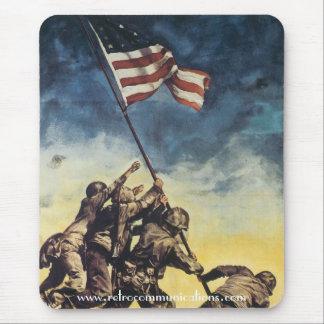 Tapis De Souris Drapeau augmentant au-dessus d'Iwo Jima