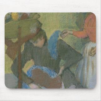Tapis De Souris Edgar Degas   à la modiste, c.1898