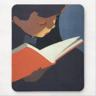 Tapis De Souris Enfant vintage lisant un livre de la bibliothèque