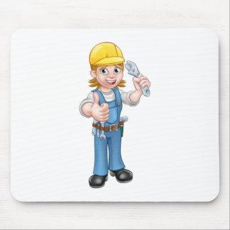Tapis De Souris Femme de mécanicien ou de plombier tenant la clé