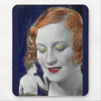 Tapis De Souris femme rousse des années 1930 et son mari minuscule