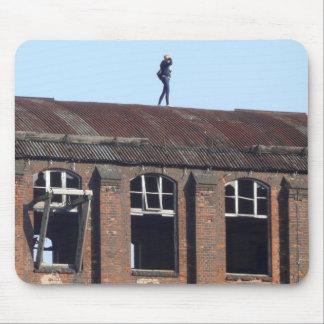 Tapis De Souris Fille sur le toit - endroits perdus 01,2