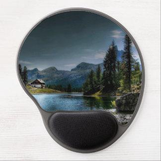 Tapis De Souris Gel Lac dans la forêt avec la maison et le ciel