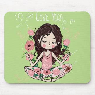 Tapis De Souris La fille rose de roses aime le yoga