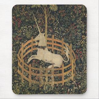 Tapis De Souris La licorne en captivité