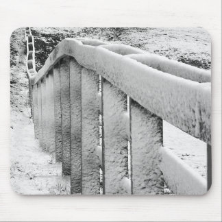Tapis De Souris La neige a couvert la photographie noire et