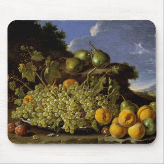 Tapis De Souris La vie toujours avec le plat des raisins, pêches,