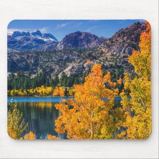 Tapis De Souris Lac autumn autour de juin, la Californie