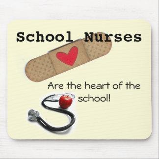 Tapis De Souris Le coeur de l'infirmière d'école du tapis de