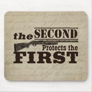 Tapis De Souris Le deuxième amendement protège le premier
