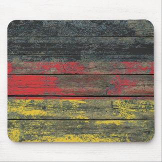 Tapis De Souris Le drapeau allemand sur le bois rugueux embarque