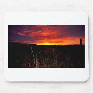 Tapis De Souris Le feu dans le ciel au lever de soleil