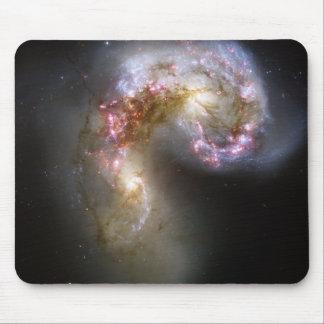 Tapis De Souris Les galaxies d'antennes