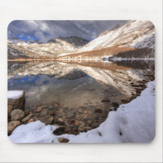 Tapis De Souris Neige au lac du nord, la Californie