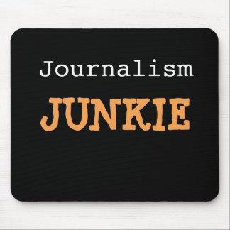 Tapis De Souris Nom drôle cruel de plaisanterie de journaliste de