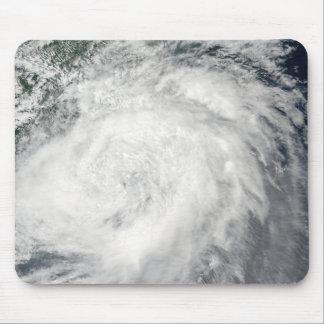 Tapis De Souris Ouragan Morakot au-dessus de la Chine
