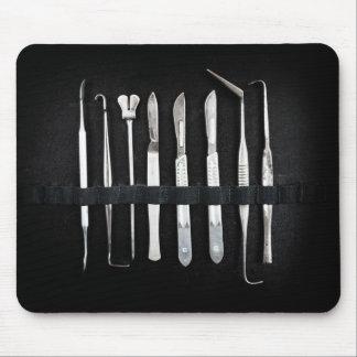 Tapis De Souris Outils de embaumement assortis d'antiquité