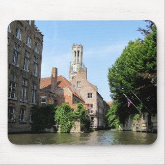 Tapis De Souris Paysage avec le canal de l'eau à Bruges, Belgique