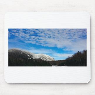 Tapis De Souris Paysage blanc de ciel bleu de montagne