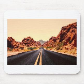 Tapis De Souris Paysage de voyage de route de route de montagnes