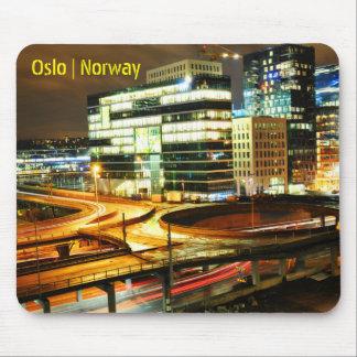 Tapis De Souris Paysage urbain la nuit à Oslo, Norvège