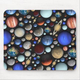 Tapis De Souris Pile de motif orienté de l'espace de planètes