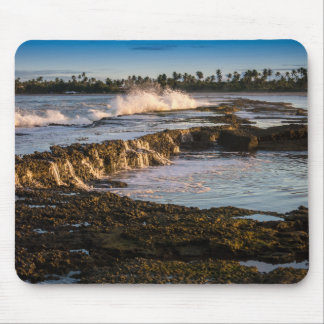 Tapis De Souris Plage de Tabuba : Vagues de rupture sur les récifs