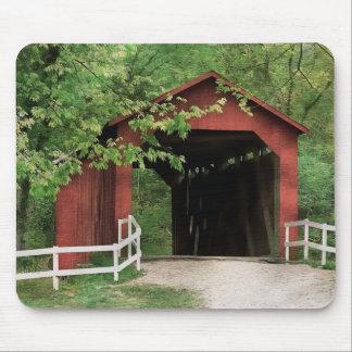 Tapis De Souris Pont couvert de crique de Sandy dans la couleur