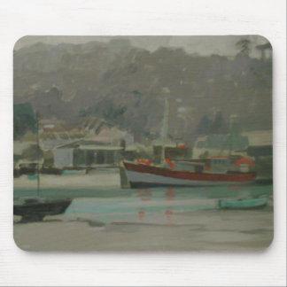 Tapis De Souris Quay du pêcheur gris de jour