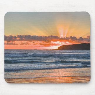 Tapis De Souris Rayons de soleil d'or au-dessus d'océan