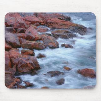 Tapis De Souris Rivage rocheux avec de l'eau, Canada