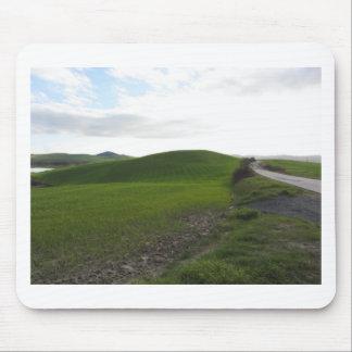 Tapis De Souris Route de campagne au-dessus de rouler les collines