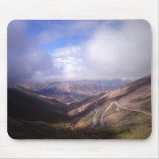 Tapis De Souris Route de serpentine de montagne de Salta avec de