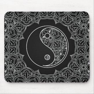 Tapis De Souris Symbole de yang de Yin en ornement noir et blanc