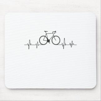 Tapis De Souris T-shirt de battement de coeur de vélo.
