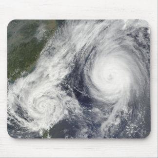Tapis De Souris Tempête tropicale Parme et ouragan superbe Melor