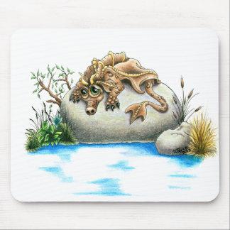 Tapis de souris triste de dragon de petite pierre