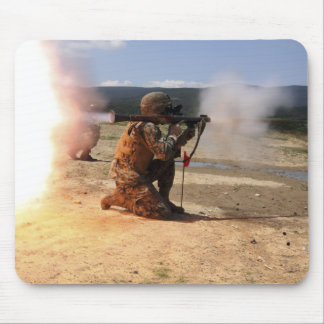 Tapis De Souris Un assaultman met le feu à une grenade à fusée