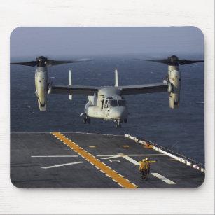 Tapis De Souris Un avion du balbuzard V-22 prépare pour débarquer 2c6447e09af