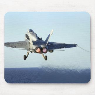 Tapis De Souris Un frelon de F/A-18C lance du poste de pilotage
