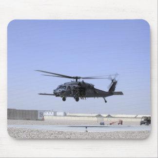 Tapis De Souris Un HH-60G pave le faucon décollant du camp Bastio