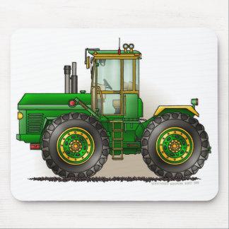 Tapis de souris verts de tracteur de monstre