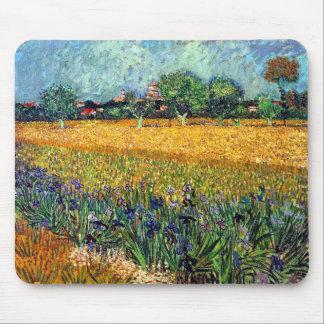 Tapis De Souris Vincent van Gogh - vue d'Arles avec des iris