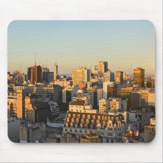 Tapis De Souris Vue panoramique du paysage urbain au crépuscule