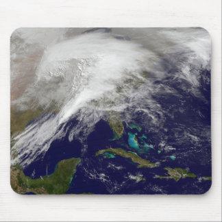 Tapis De Souris Vue satellite d'une tempête massive d'hiver