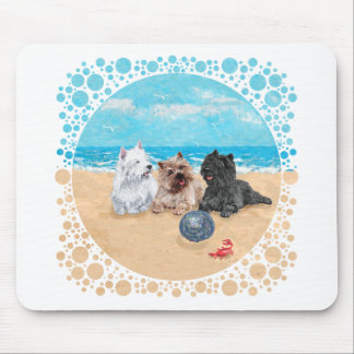 Tapis De Souris Westie avec des terriers de cairn à la plage